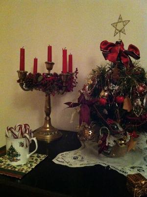 Yuletide decorations